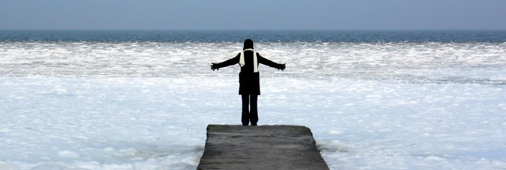 Die junge Frau und das Meer