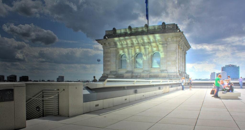 Blick von der Reichstagsterrasse - mir fast ein wenig zu bunt.