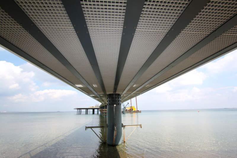 Ein anderer Blick auf die Seeschlösschenbrücke