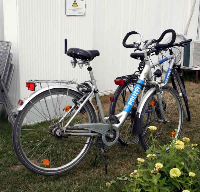 Streifen-Fahrräder der IGS-Polizei.