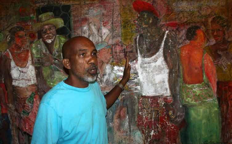Der Künstler Egbert Marday vor einem seiner Ölbilder.