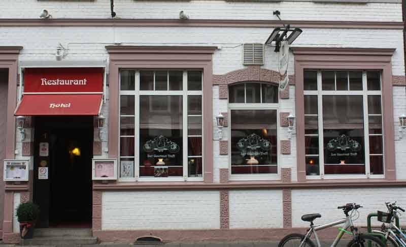 """Restaurant und  Hotel """"Der Schwan"""" in der Tiedexer Straße."""