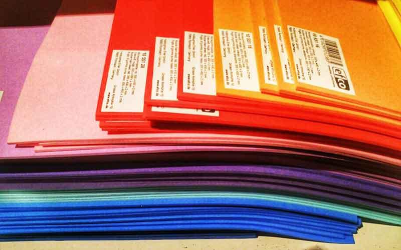 Moosgummi in vielen Farben - fast wie ein Regenbogen.