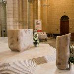 Moderne Ausstattung in alten Kirchen