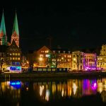 Lübecker Untertrave bei nacht: Knackscharf dank Stativ