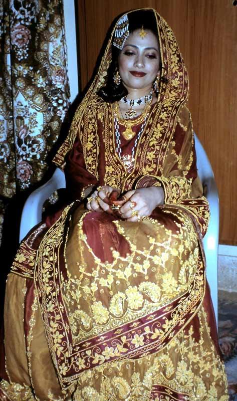 Bereit zur Hochzeit: Die geschmückte Braut.