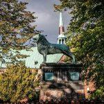 Ratzeburger Dom: Deppenleerzeichen und Kreuzgang